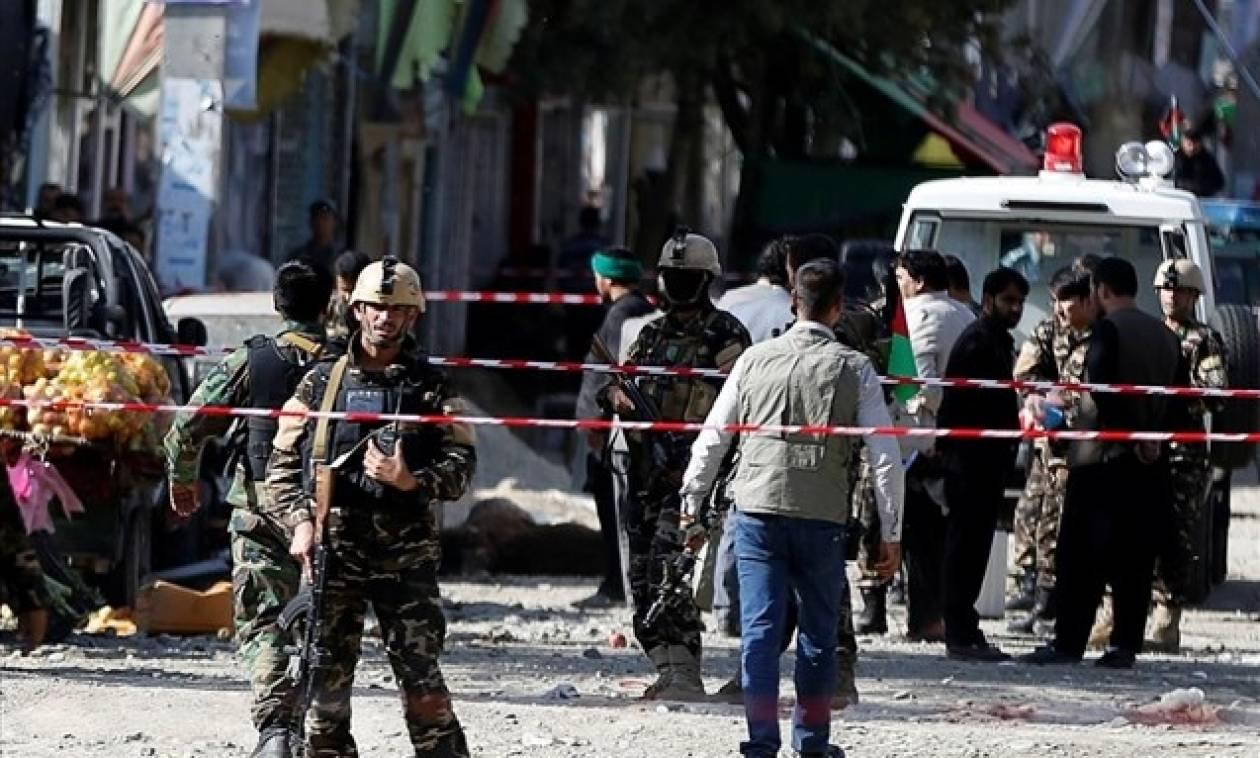 Καμπούλ: Το ISIS ανέλαβε την ευθύνη για την πολύνερη επίθεση στο σιιτικό τέμενος