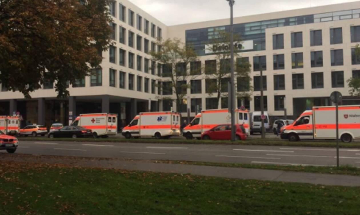 Συναγερμός στο Μόναχο: Ανθρωποκυνηγητό για άνδρα που μαχαίρωσε πολίτες σε κεντρική πλατεία