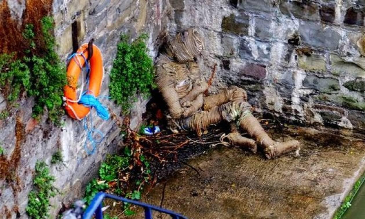 Μυστήριο: «Μούμια» ξεβράστηκε στις όχθες του ποταμού