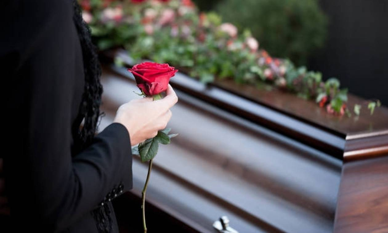 Μακάβριο: Γραφεία τελετών νοικιάζουν φέρετρα για 100 ευρώ! - Τα επιστρέφουν στο τέλος της κηδείας
