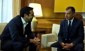 Βουλή: Ερώτηση Θεοδωράκη σε Τσίπρα για τα F-16 και τη βάση στη Σούδα