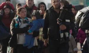 «Έκοψαν» την Ελλάδα στα δυο: Πρόσφυγες έκλεισαν την Εθνική Οδό Αθηνών-Λαμίας