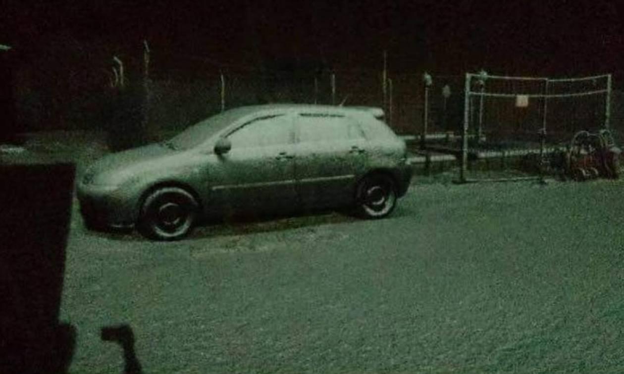 Καιρός ΤΩΡΑ: Χιονίζει στη βόρεια Ελλάδα – Δείτε εντυπωσιακές φωτογραφίες