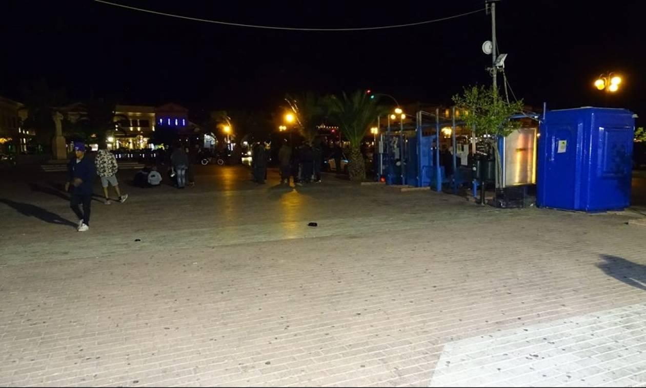 Μυτιλήνη: Άδειασε η πλατεία στο κέντρο της πόλης από τους μετανάστες (vid)