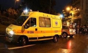 Τροχαίο ατύχημα στην Πάτρα: Αυτοκίνητο συγκρούστηκε με μηχανάκι (vid)