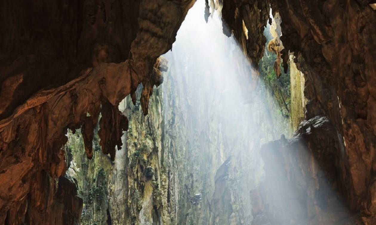 Αυτές οι σπηλιές σχηματίστηκαν πριν 400 εκατ. χρόνια - Ξέρετε τι βρίσκεται μέσα σε αυτές;