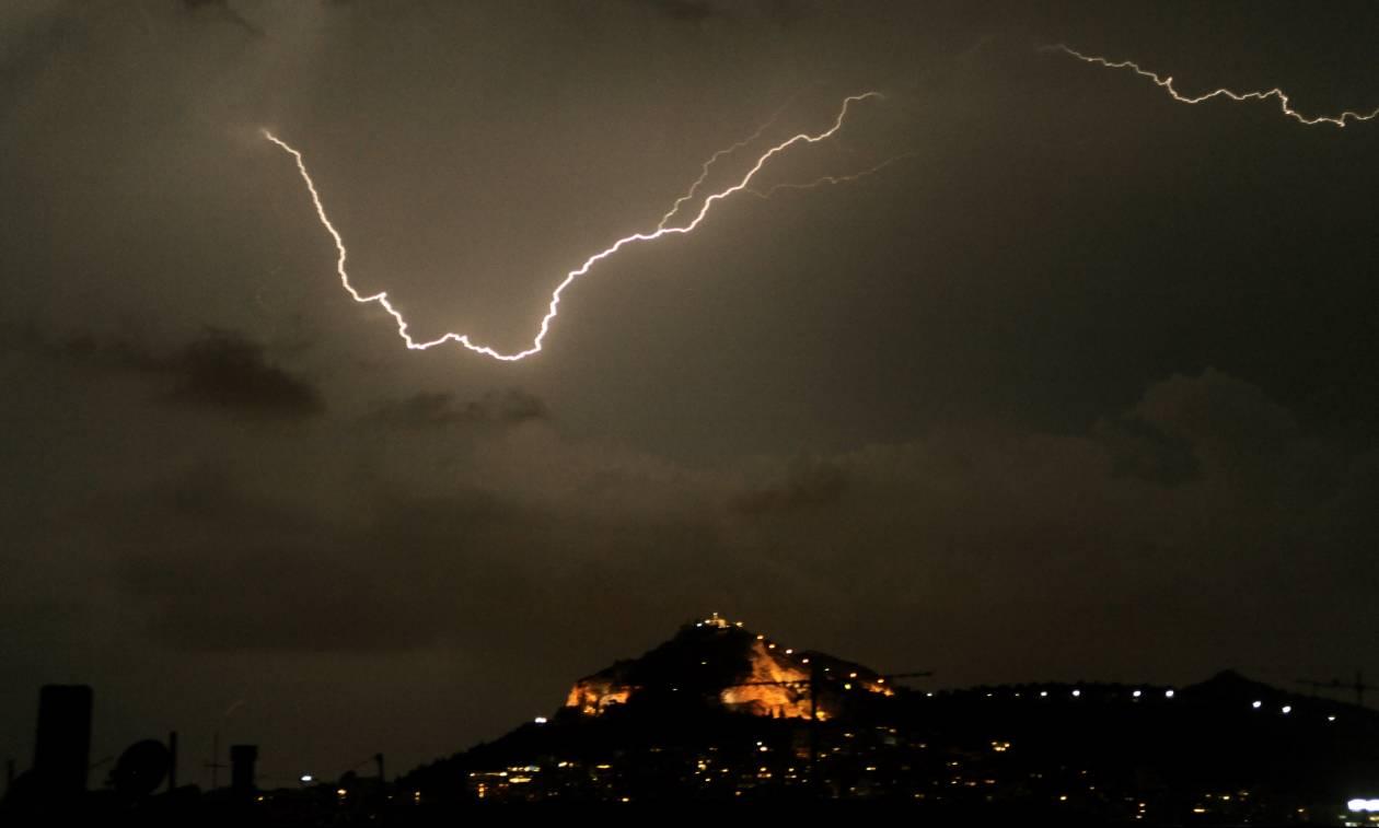 Καιρός Αθήνα - Καιρός Θεσσαλονίκη: Αυτές τις περιοχές θα «σαρώσει» η κακοκαιρία σε λίγες ώρες