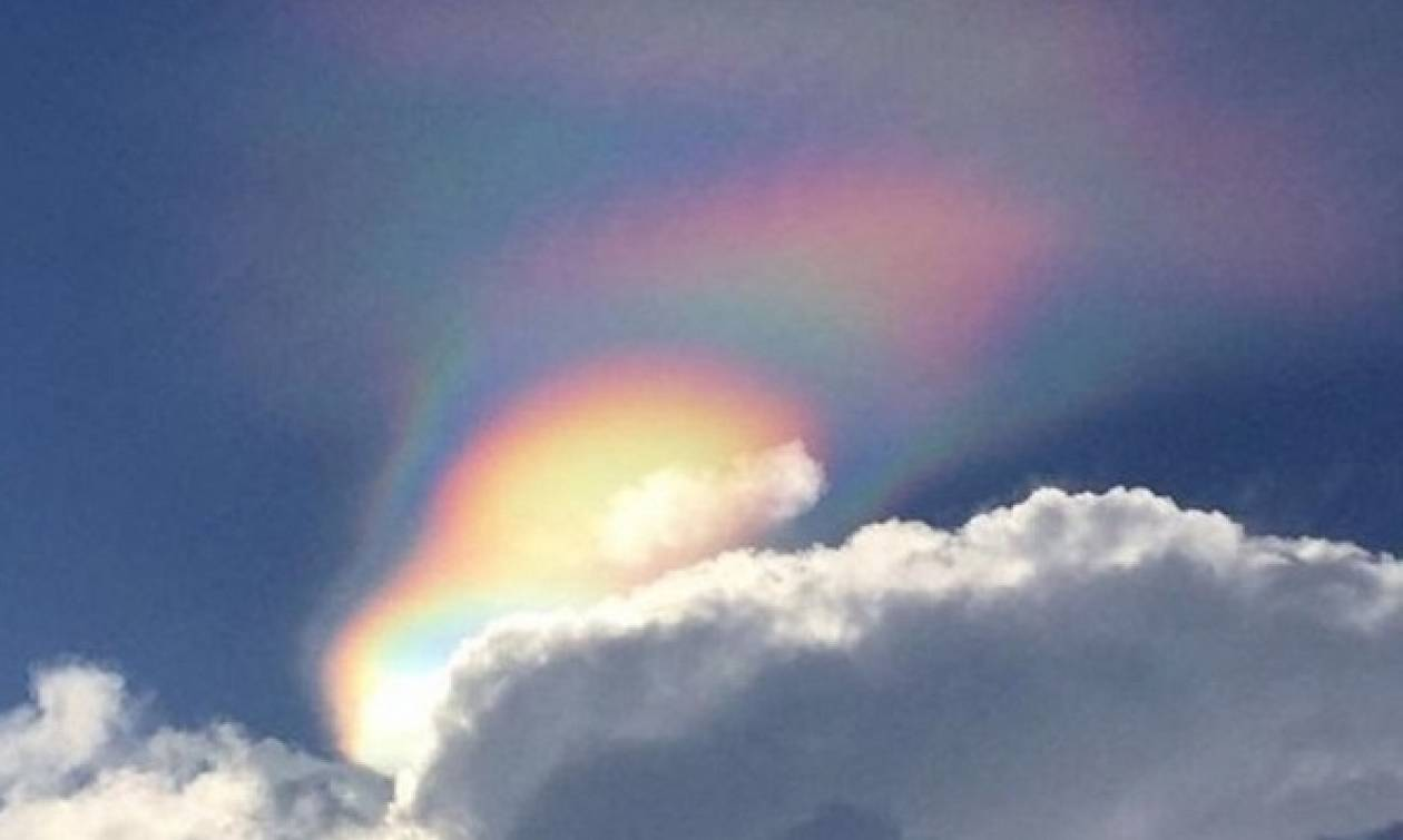 «Φλεγόμενο» ουράνιο τόξο: Μοναδικό φαινόμενο στον ουρανό (vid)