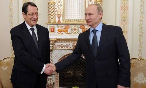 Πούτιν σε Αναστασιάδη: Υπέρ μια δίκαιης λύσης στο Κυπριακό