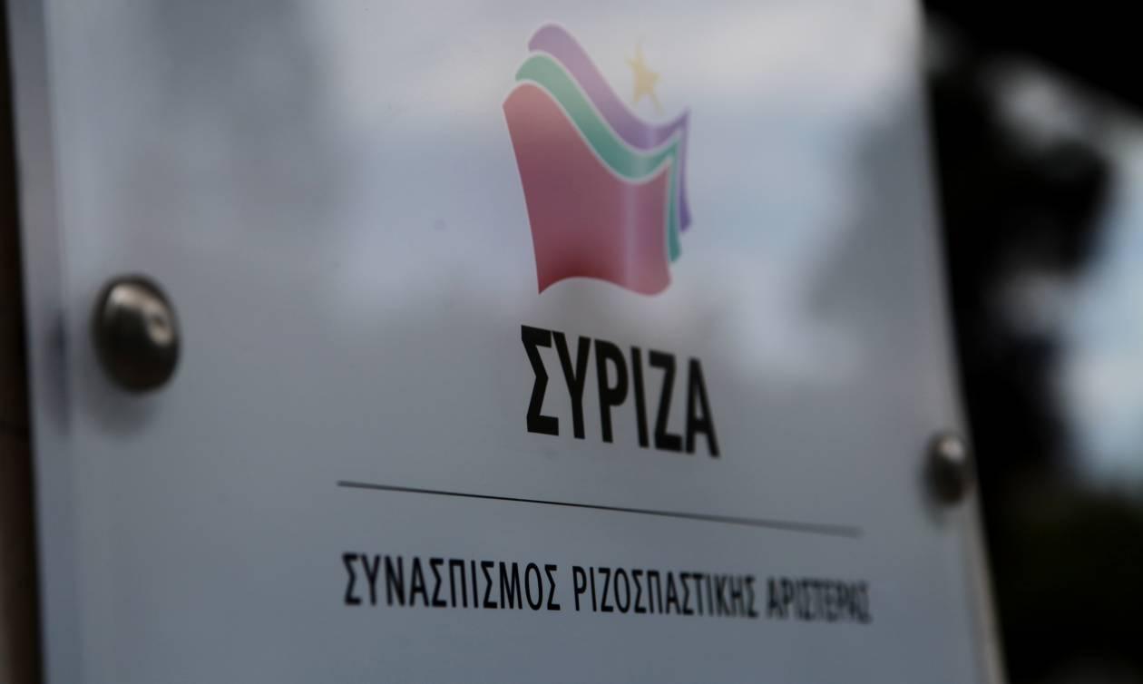 ΣΥΡΙΖΑ για ΝΔ: Ο λαός δεν θα «ψωνίσει» το κουστουμάκι του Μητσοτάκη