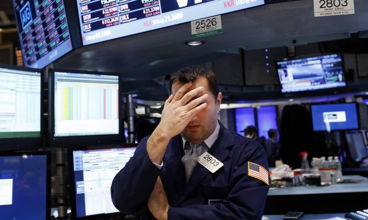 Επέστρεψε στις απώλειες η Wall Street