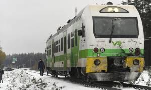 Σύγκρουση τρένου με στρατιωτικό όχημα στη Φινλανδία - Τέσσερις νεκροί (pics)