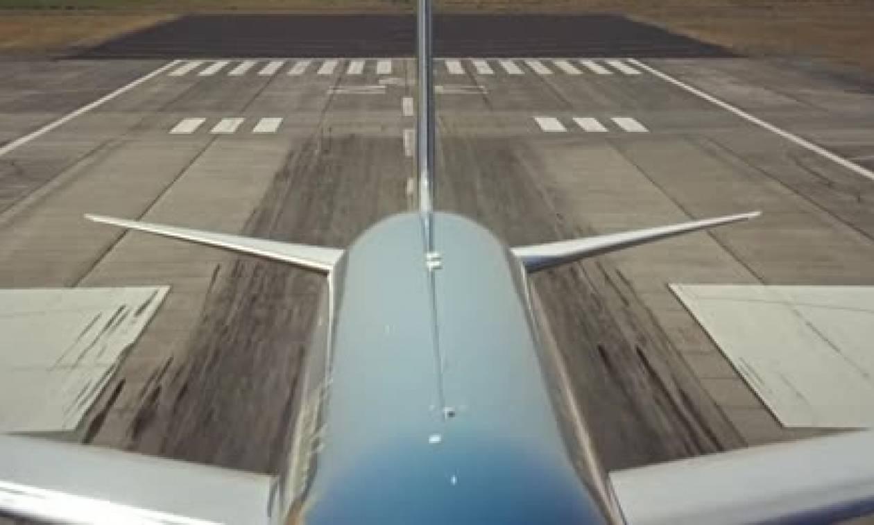 Πρώην πιλότος πολεμικού αεροσκάφους μπήκε στο πιλοτήριο ενός Boeing. Δείτε τι ακολούθησε (video)