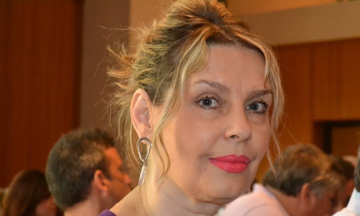 Παπακώστα: Την υπερασπίζονται Καμμένος, ΑΝΕΛ και ΣΥΡΙΖΑ μετά τη διαγραφή της