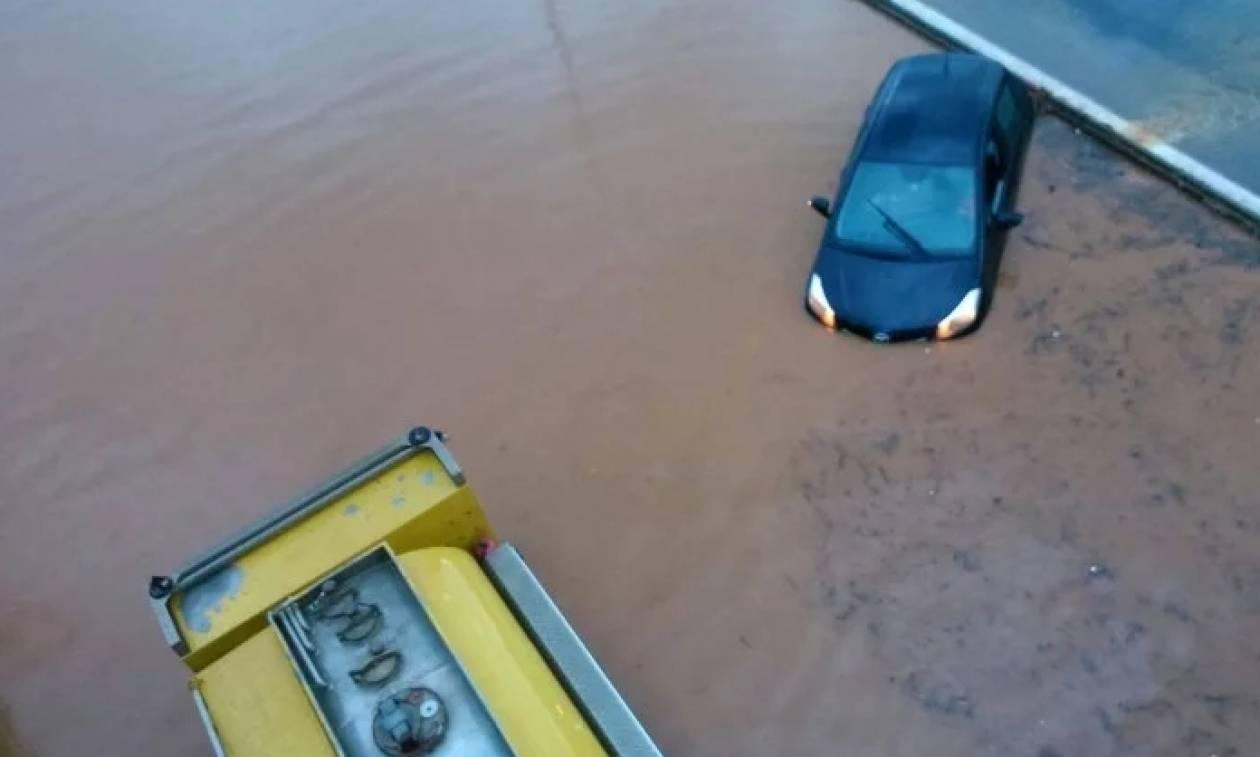 Καιρός: Πλημμύρισαν τα Χανιά από τις έντονες βροχοπτώσεις (pics)