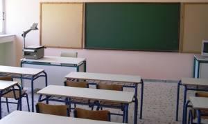 Αγρίνιο: Ποιοι κρύβονται πίσω από τις επιθέσεις με ναφθαλίνη στα σχολεία