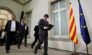 Απόσχιση Καταλονίας: Σε διεθνή απομόνωση η Βαρκελώνη – ΕΕ και ΗΠΑ στηρίζουν Ραχόι