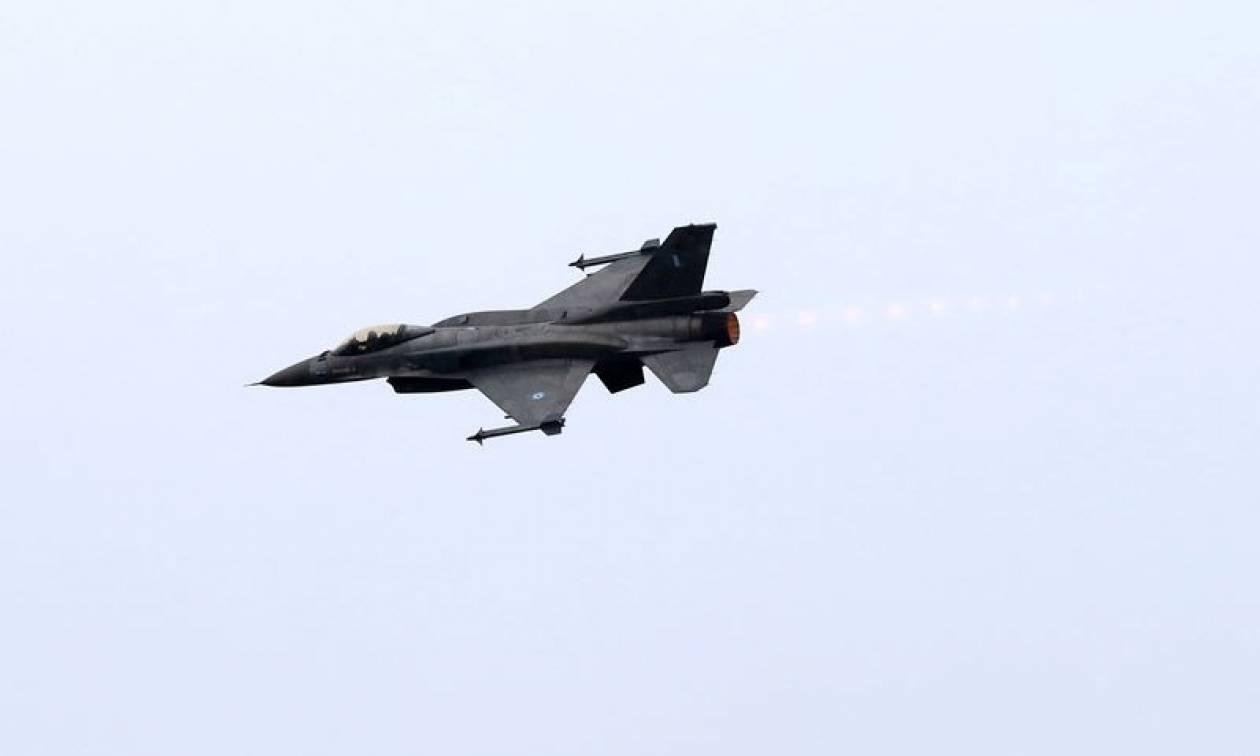 Λουκάς Θεοχαρόπουλος: Αυτός είναι ο πιλότος που συγκίνησε όλη την Ελλάδα (pic+vid)