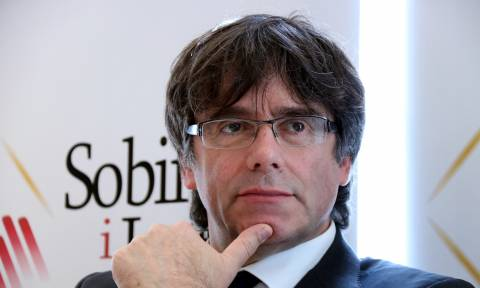 Καταλονία: Σε «δημοκρατική αντίσταση» καλεί ο Πουτζντεμόν