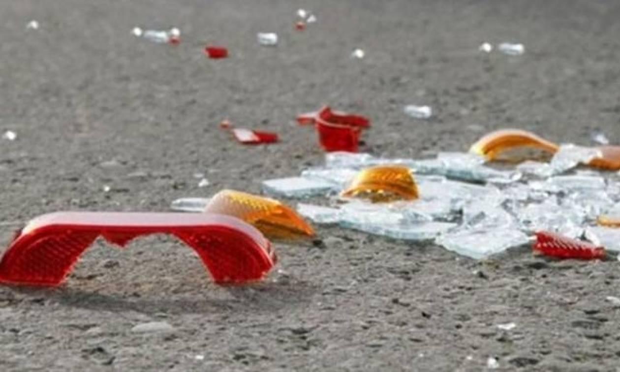 Χαμός στην Πάτρα: Το αυτοκίνητό του σφηνώθηκε σε νεοκλασικό (pics)