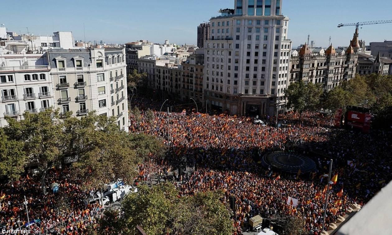 Εβδομάδα αβεβαιότητας στην Καταλονία - Η επόμενη κίνηση της αποπεμφθείσας κυβέρνησης