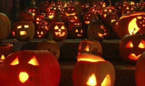 Halloween: Τα φαντάσματα, οι μάγισσες και το έθιμο της κολοκύθας