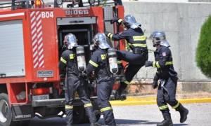 Σπάτα: Υπό έλεγχο η φωτιά σε κτήριο του κτήματος Νάσιουτζικ