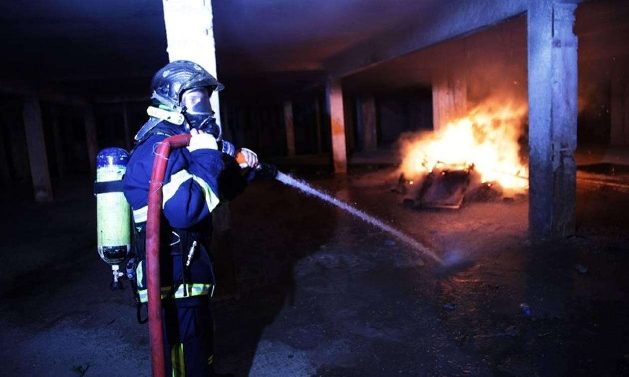 Φωτιά ΤΩΡΑ: Στις φλόγες αποθήκη στη Θεσσαλονίκη (pics&vid)