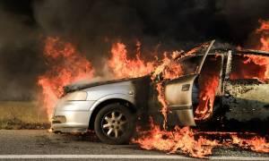 Στιγμές τρόμου για οδηγό στον ΒΟΑΚ: Το αυτοκίνητο τυλίχθηκε στις φλόγες εν κινήσει