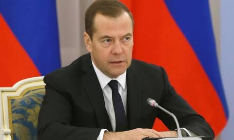 Медведев вручил ордена Дружбы членам правительства Китая