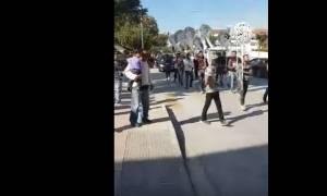 Τρίκαλα: Δάκρυα, οργή και… Παντελίδης στην κηδεία του 30χρονου (video)