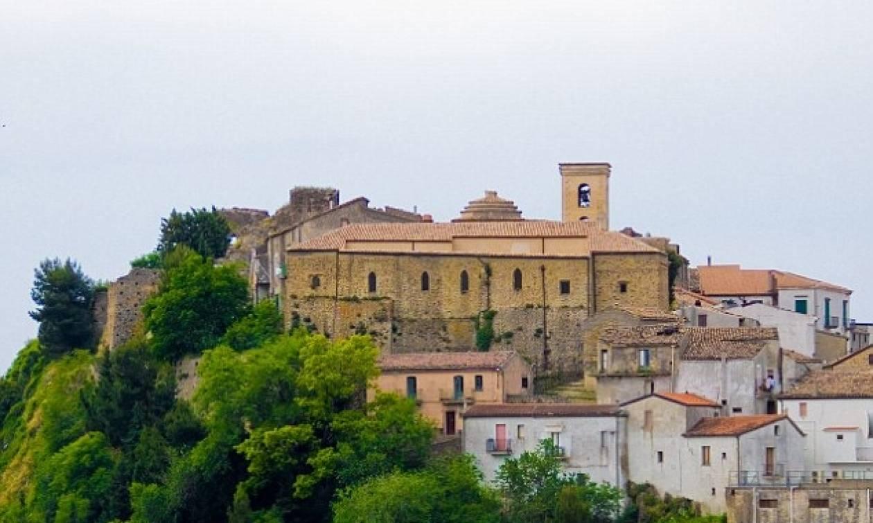 Η «καταραμένη» πόλη της Ιταλίας - Δεν τολμούν να πουν ούτε το όνομά της! (pics)