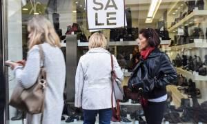 ΙΟΒΕ: Ουραγός η Ελλάδα στην καταναλωτική εμπιστοσύνη