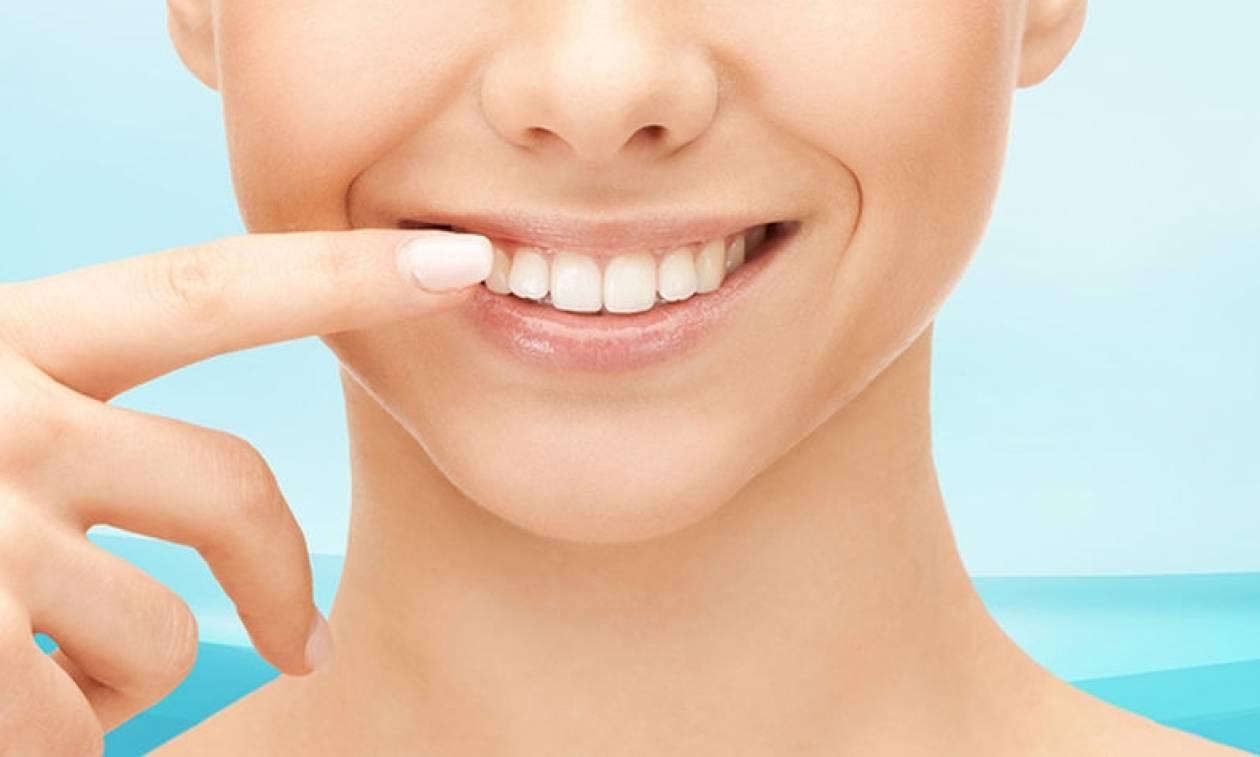 «Λουκέτο» σε επιχείρηση που έκανε παράνομα λευκάνσεις δοντιών