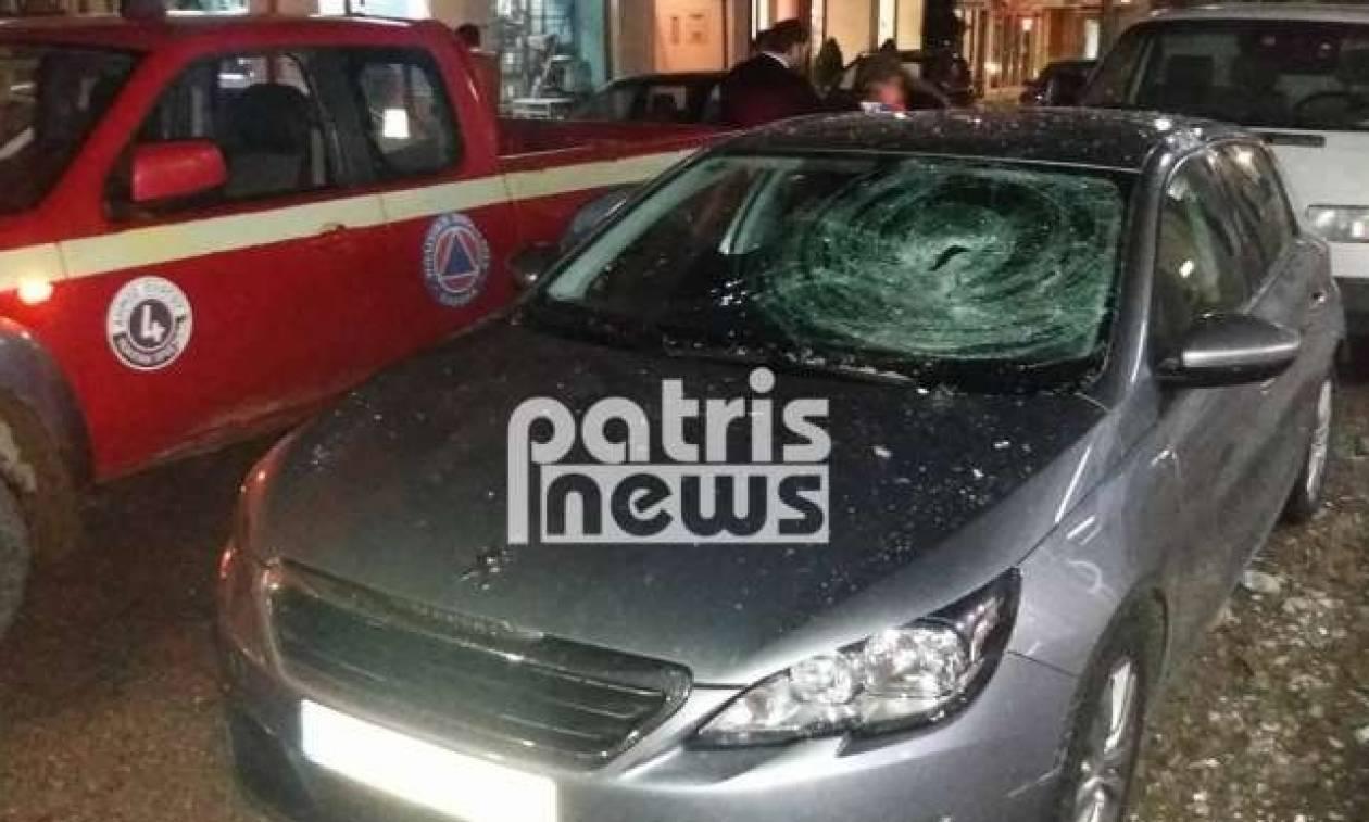 Πανικός στον Πύργο: Κατέρρευσε μπαλκόνι πάνω σε όχημα (pics)