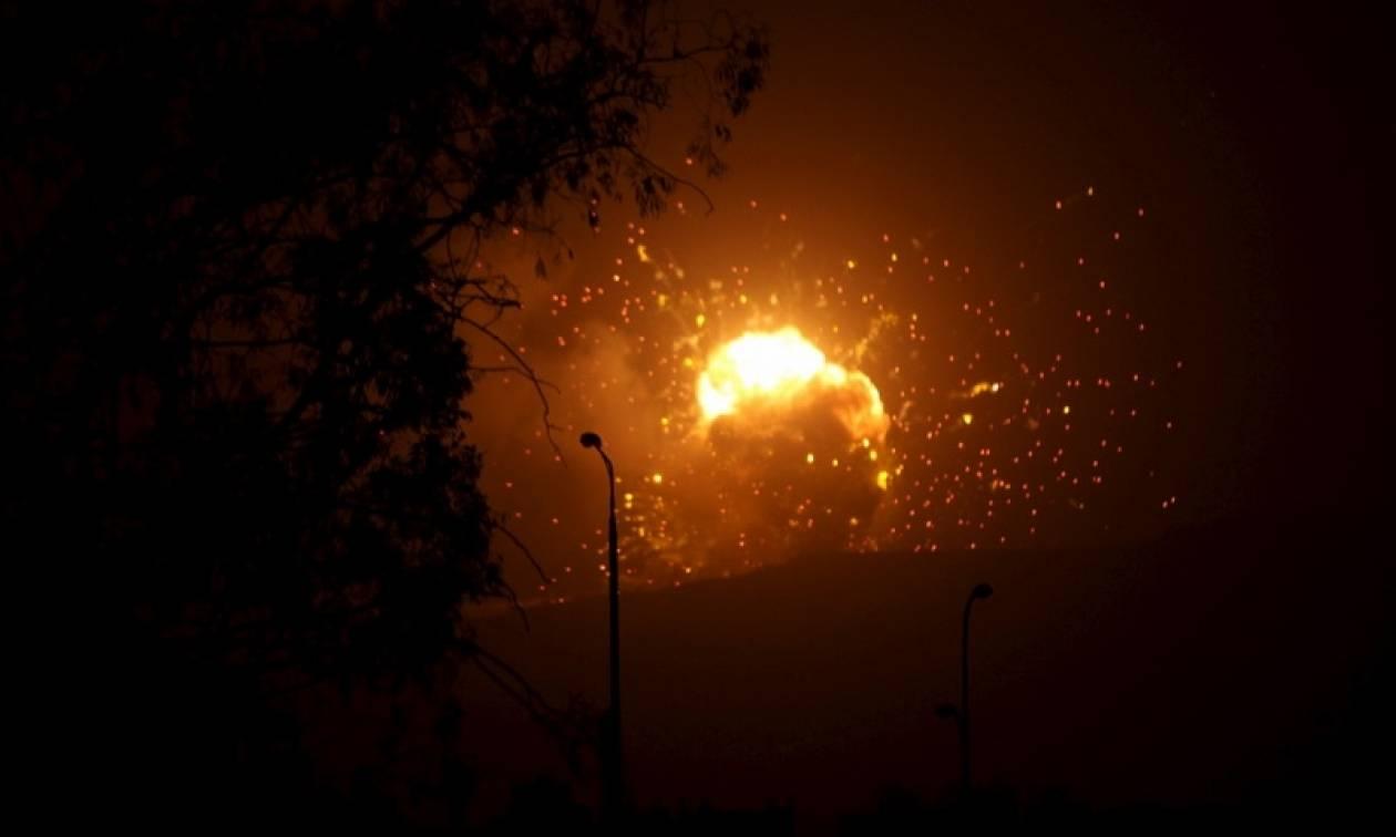Συρία: Ισραηλινή αεροπορική επιδρομή σε αποθήκη όπλων στη Χομς