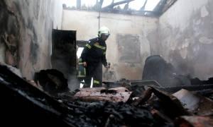 Τραγωδία στη Μυτιλήνη - Φρικτός θάνατος άνδρα σε φλεγόμενο σπίτι