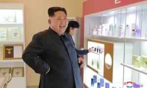 Η Βόρεια Κορέα εκσυγχρονίζει πύραυλο της ώστε να μπορεί να φτάσει έως τις ΗΠΑ