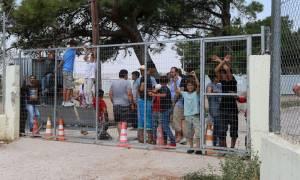 Προσφυγικό: Προσλήψεις υγειονομικού και λοιπού προσωπικού στα 9 Προαναχωρησιακά Κέντρα