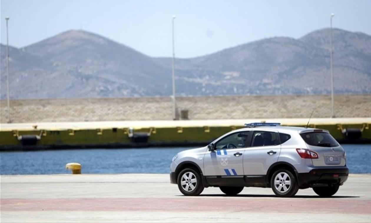 Στιγμές τρόμου για νεαρό ζευγάρι στη Χαλκίδα: Έπεσε στη θάλασσα με το αυτοκίνητο