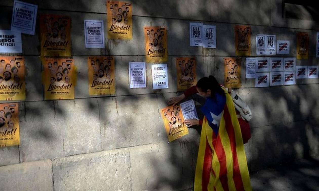 Στους δρόμους οι Καταλανοί - Τη Δευτέρα κρίνεται η τύχη του Πουτζντεμόν