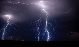 Καιρός: Έρχεται διήμερο κακοκαιρίας – Βροχές, καταιγίδες και σκόνη από την Αφρική
