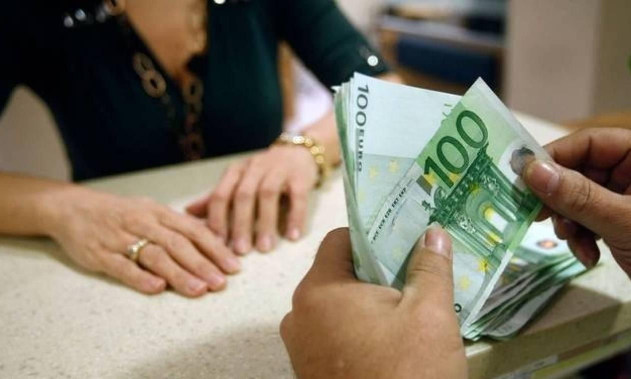 Οι μισοί Έλληνες χρωστούν στην Εφορία