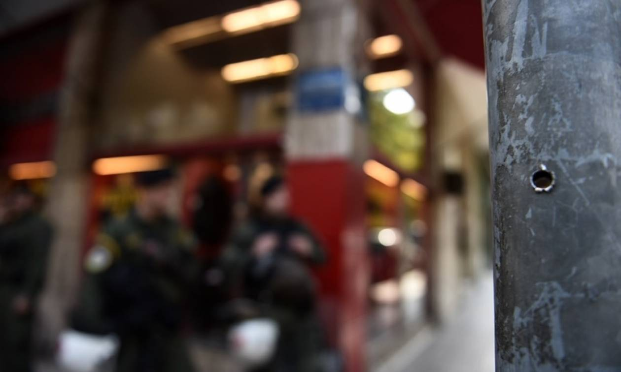 Επαναστατική Αυτοάμυνα: Ποια είναι η οργάνωση που «χτύπησε» στα γραφεία του ΠΑΣΟΚ