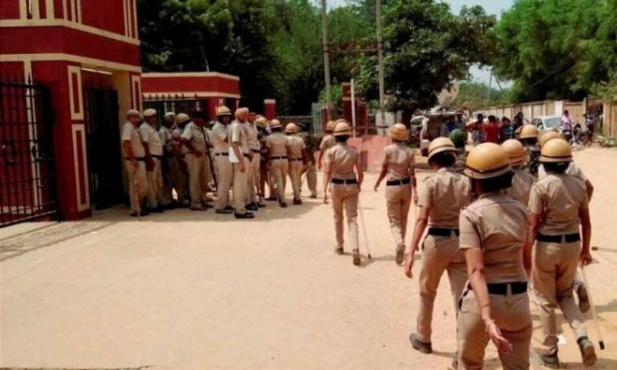 Ινδία: Έφηβος μαθητής σκότωσε έναν 7χρονο για να αναβληθούν οι σχολικές εξετάσεις