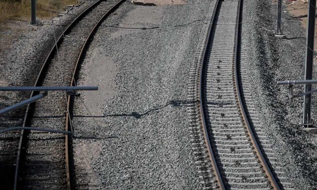 Ανείπωτη τραγωδία στη Λάρισα: Τρένο παρέσυρε και σκότωσε δωδεκάχρονο αγόρι