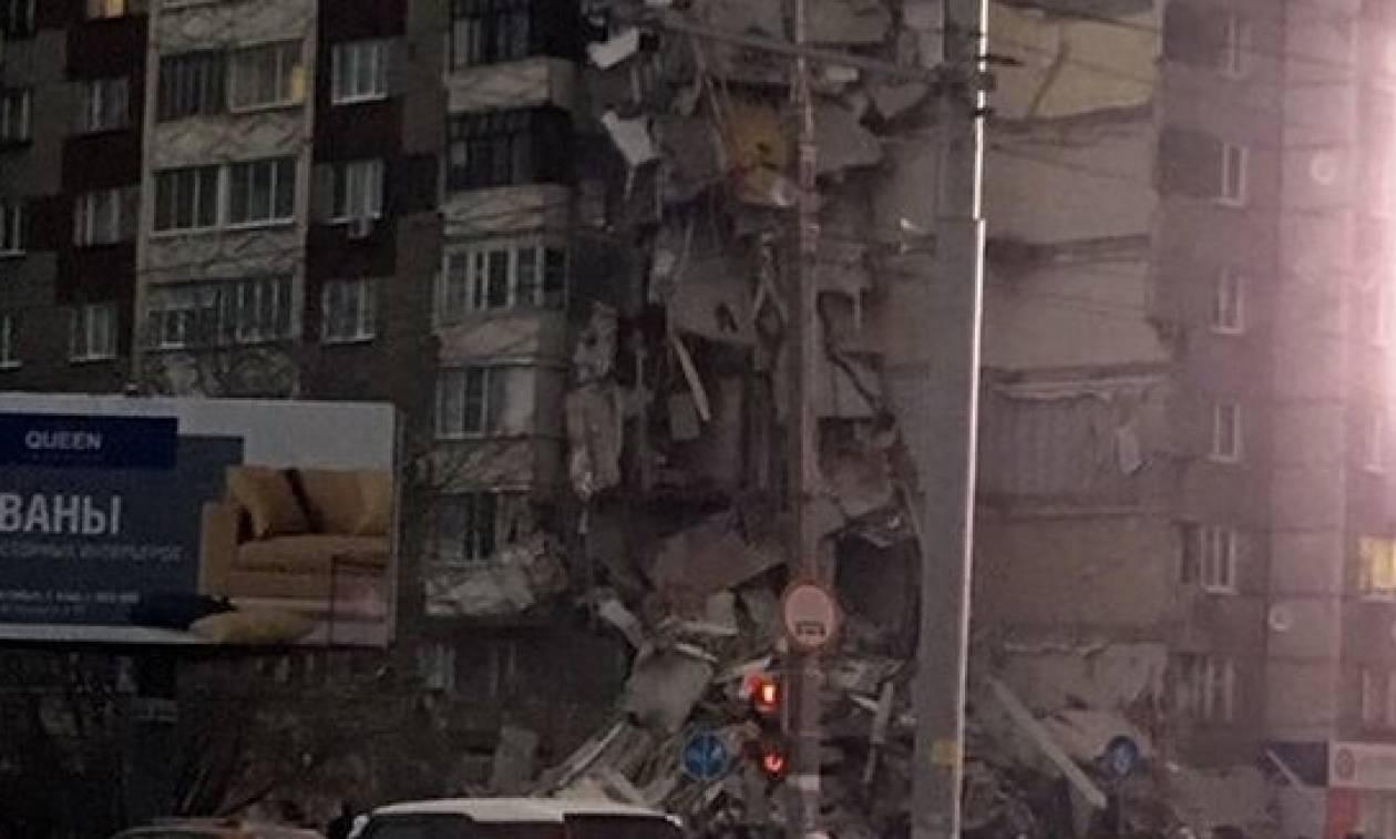 Νεκροί και τραυματίες από κατάρρευση κτηρίου στη Ρωσία (videos)