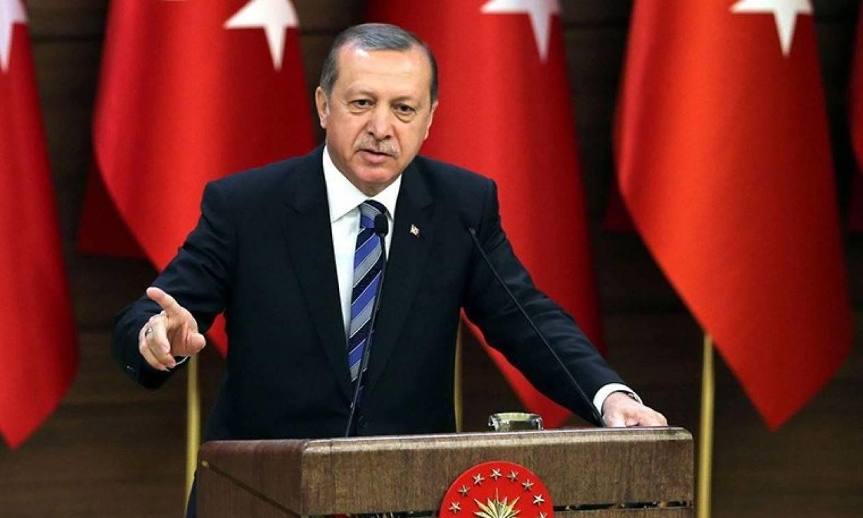 Προκλητική δήλωση συμβούλου του Ερντογάν: «Λυπάμαι τους Έλληνες, τίποτα δεν έμεινε στα χέρια τους»