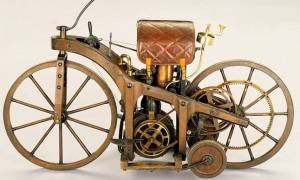 Σαν σήμερα το 1885 κατασκευάστηκε η πρώτη μοτοσυκλέτα