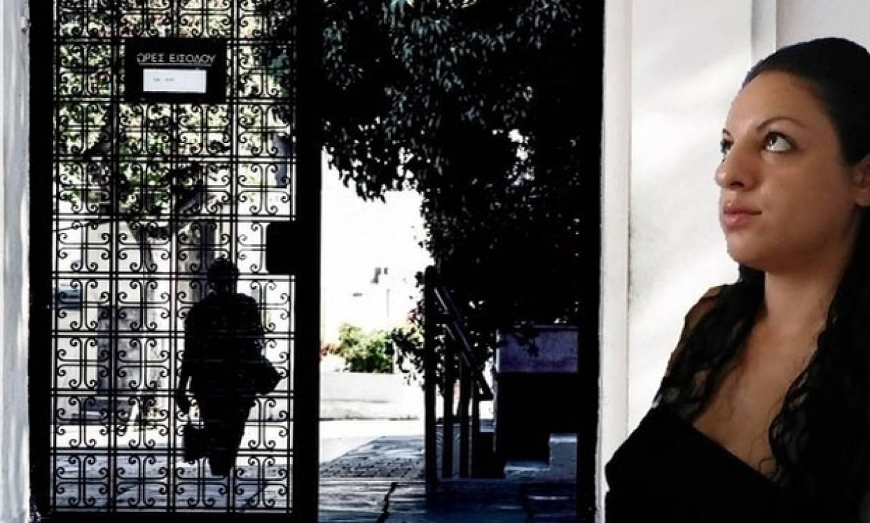 Δώρα Ζέμπερη: Συγκλονίζει το παιδί του δολοφόνου: «Κοίτα τι έκανε ο πατέρας μου για 20 ευρώ»
